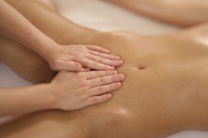 Bild aus dem Buch Yoni-Massage Michaela Riedl - Schoßraumarbeit